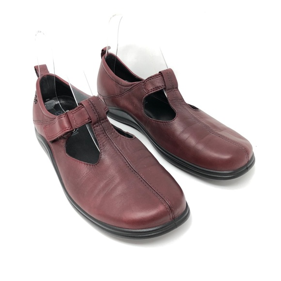 ECCO Street T Strap Mary Jane Shoes Size 39/8-8.5